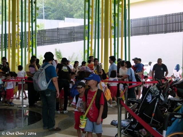 visitors-08-znm-140628-1